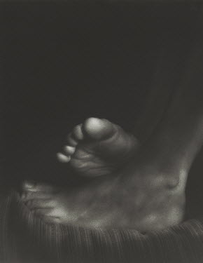 David Woolfall FEET CLOSE UP Body Detail