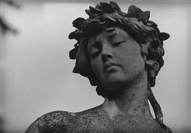 Marg Nicol Statuary/Gravestones
