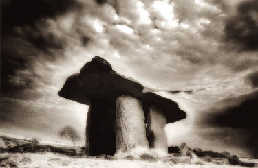 Vincent MacNamara STANDIG STONE MONUMENT Rocks/Mountains