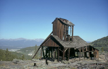 Bruce Chatwin DERELICT MINE IN AMERICAN LANDSCAPE Miscellaneous Buildings