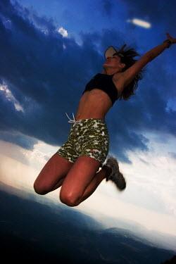 Stanislav Solntsev WOMAN JUMPING Women