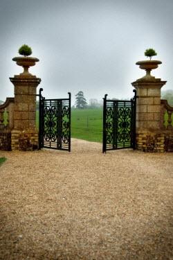Michael Trevillion COUNTRY ESTATE GATE Gates