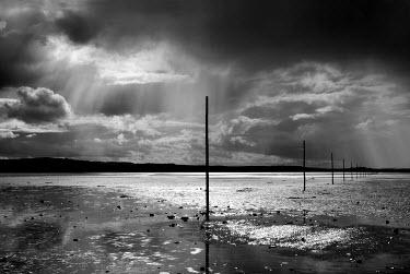 Edward Jones CLOUDY BEACH Seascapes/Beaches
