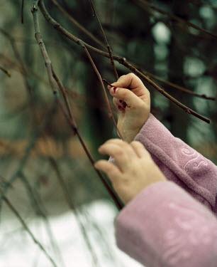 Katya Evdokimova CHILD PICKING BERRIES Body Detail