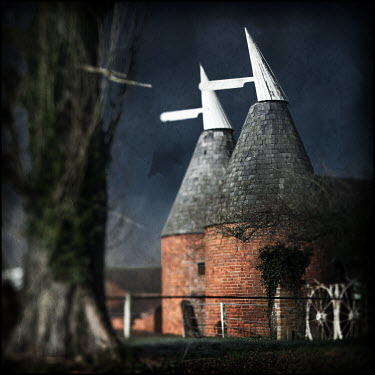 Mark Sadlier OAST HOUSE FARM BUILDING AT NIGHT Miscellaneous Buildings