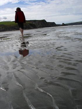 David Foster YOUNG WOMAN WALKING ON BEACH Women