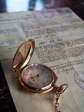 Ilona Wellmann POCKET WATCH ON DOCUMENT Miscellaneous Objects