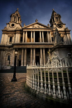 Paul Knight ST PAUL'S CATHEDRAL LONDON Houses