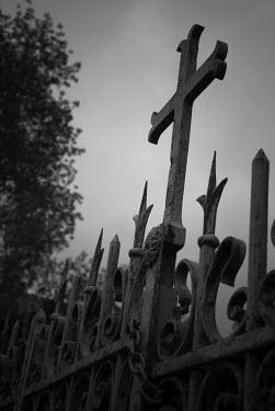 Douglas Black GRAVEYARD FENCE Statuary/Gravestones