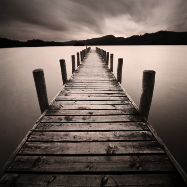 Steve Gosling WOODEN DOCK OVER LAKE Seascapes/Beaches
