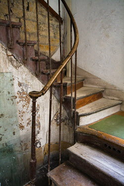 David Henderson STAIRWAY IN OLD HOUSE Stairs/Steps