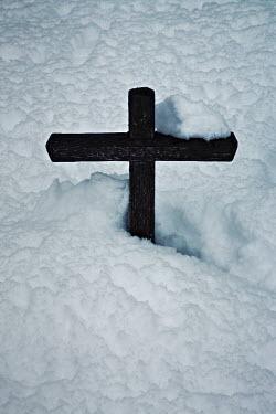 Helen Green GRAVE COVERED IN SNOW Statuary/Gravestones