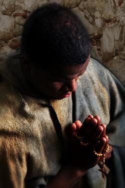 Ricardo Demurez MAN PRAYING Men