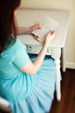 Susan Fox WOMAN READING LETTER Women