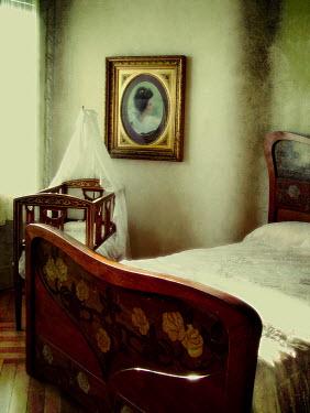 Irene Lamprakou EMPTY ANTIQUE BEDROOM Interiors/Rooms