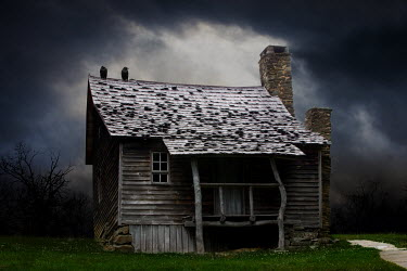 Ron Jones REMOTE SPOOKY HUT Houses