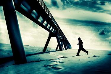 Christine Amat SILHOUETTE RUNNING ON BEACH Men