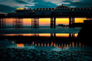 Paul Mansfield BRIGHTON PIER AT SUNSET Seascapes/Beaches
