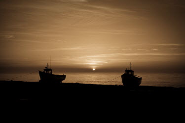 Paul Mansfield SILHOUETTE OF TWO BOATS AT SUNSET Boats