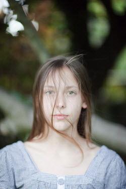 Sarah Ketelaars SERIOUS GIRL Children