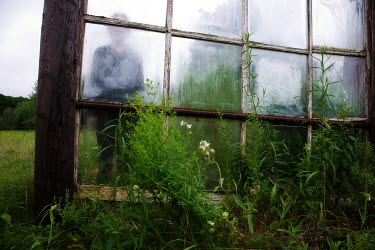 Marico Fayre FIGURE BEHIND GLASS Women