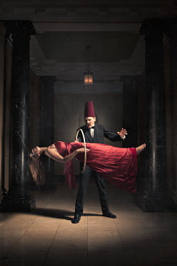 Laurence Winram MAGICIAN AND LEVITATING WOMAN Couples