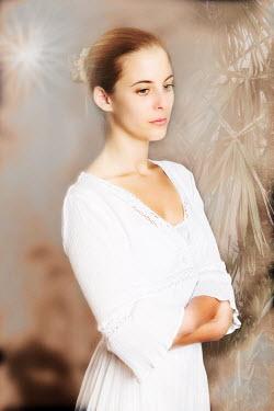 Tom Meadow BLONDE WOMAN WHITE DRESS Women