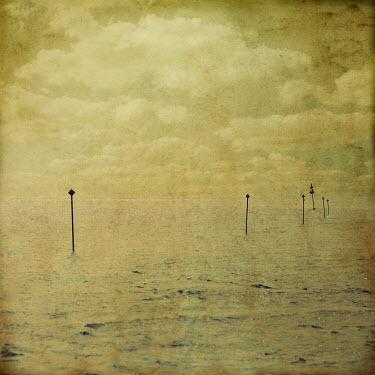 Peter Hatter HAZY OCEAN SCENE Seascapes/Beaches