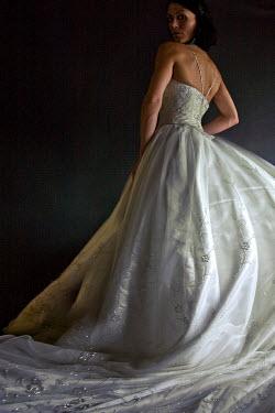 Dana France BRIDE STANDING BIG WHITE DRESS Women