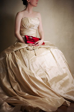Susan Fox WOMAN SITTING CREAM DRESS CLUTCH-BAG Women