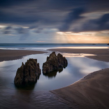 Gary Newman LARGE ROCKS ON COAST Seascapes/Beaches