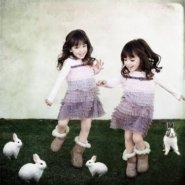 Vanesa Munoz TWIN GIRLS AND RABBITS Children