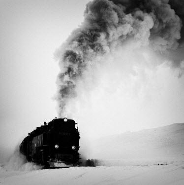 Ralph Graef LOCOMOTIVE STEAM CLOUD SNOW Railways/Trains