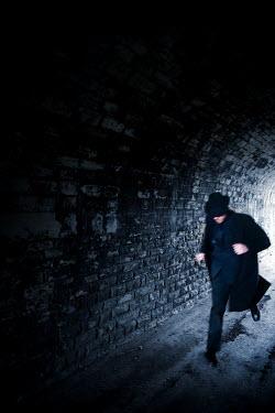 Lee Avison MAN RUNNING IN DARK TUNNEL Men