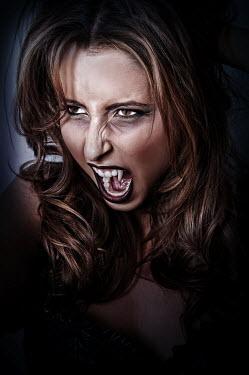 Mohamad Itani female vampire screaming Women