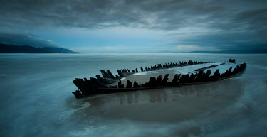 John Hooton SHIPWRECK ON SANDY BEACH Seascapes/Beaches