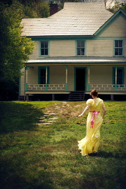 Susan Fox WOMAN RUNNING TOWARDS WEATHERBOARD HOUSE Women