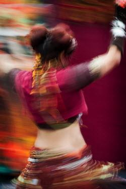 Harry Pettis WOMAN BELLY DANCING IN COSTUME Women