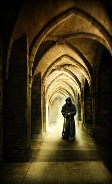 Yolande de Kort Monk in robe Men