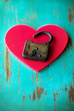 Susan Fox PADLOCK ON HEART Miscellaneous Objects