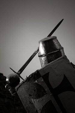 Neil Denham KNIGHT IN ARMOUR WITH SWORD Men
