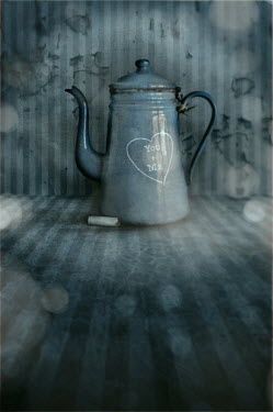 David Pairé OLD COFFEE POT WITH CHALK AND HEART Miscellaneous Objects
