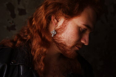 Niiv MAN WITH RED HAIR WITH EARRING Women