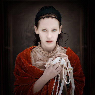 Sylwia Makris WOMAN HOLDING PEARLS AND RIBBONS Women