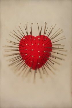 Peter Hatter RED HEART-SHAPED PIN CUSHION Miscellaneous Objects