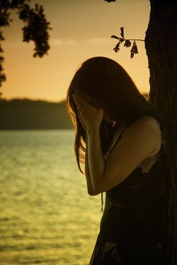 Elisabeth Ansley WOMAN CRYING BY LAKE Women