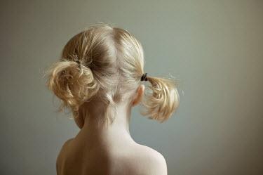 Heather Evans Smith HEAD OF LITTLE BLONDE GIRL Children