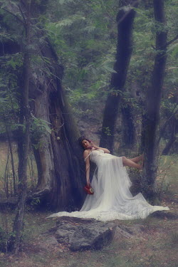 Romina Dughero WOMAN IN WHITE IN TREE Women