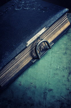 Mohamad Itani OLD LEATHER DIARY WITH CLASP Miscellaneous Objects