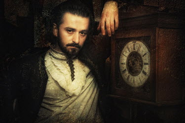 Kamil Akca HISTORICAL MAN WITH CLOCK Men